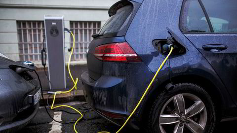 Hvis man kun vektlegger utslipp fra eksosrøret per kjørte kilometer, kan man gjerne øke antall elbiler dramatisk. I vårt innlegg understreker vi at elbilene har en rekke andre ulemper, skriver NHO Transport