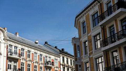 – Vi tror prisveksten nå avtar noe. Oslo vil se en mindre prisoppgang i september på 0,4 til 0,5 prosent, anslår administrerende direktør Kent Victor Syverstad i Eiendomsmegler 1. Foto av leiligheter på Frogner i Oslo.