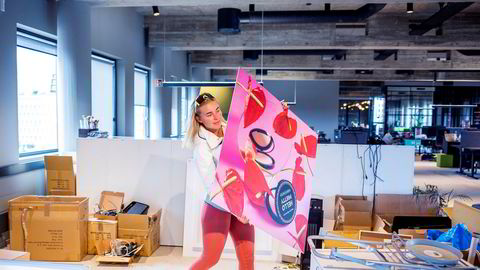 Helene Sunde er ansatt i nettbutikken Makeup Mekka, som har lykkes godt i å selge sminke over nett. Nå har de nylig flyttet til større lokaler på Økern i Oslo.