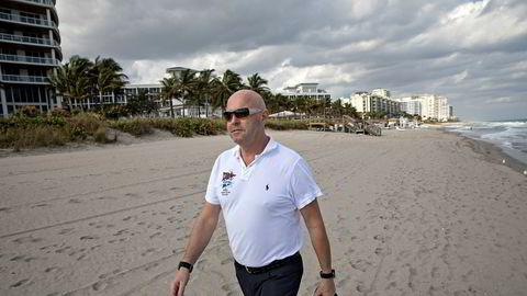 Tidligere luksusmegler Miguel Sørholt har slått seg ned på Gran Canaria. Der har han kjøpt sine egne leiligheter fra sitt norske selskap.