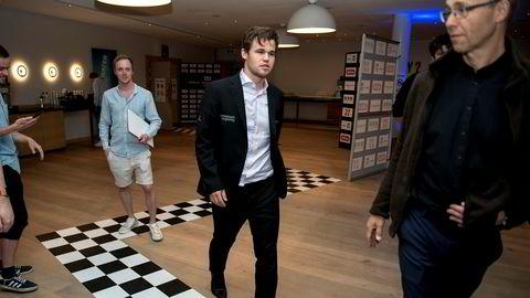 Appselskapet til Magnus Carlsen tredoblet underskuddet i fjor, men er ikke i sjakk. I juni hentet selskapet 38,5 millioner kroner til videre satsing på Play Magnus. Her er Carlsen fotografert under Norway Chess i Stavanger i mai.