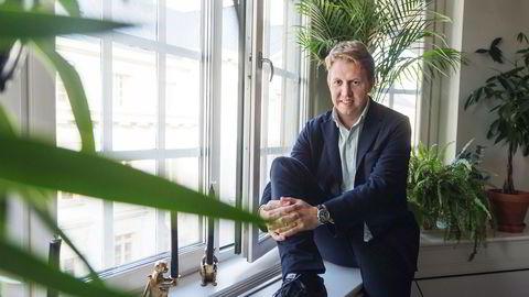 Alt fra oppstartselskaper og Finn.no til tradisjonelle banker og giganter som Facebook og Google skal nå kjempe om å levere de samme nye betalingstjenestene. Daniel Kjellén i svenske Tink.se er klar for å innta det norske markedet neste år.