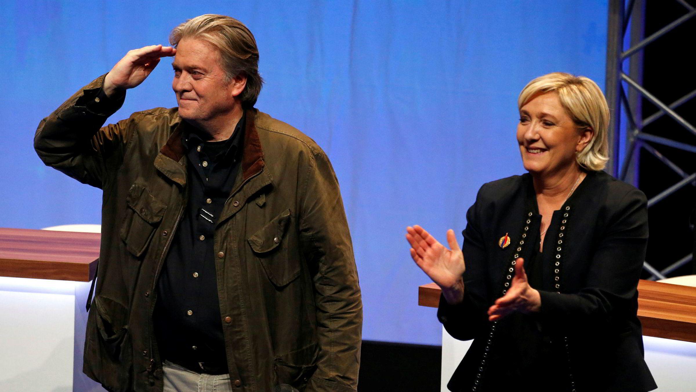 Donald Trumps tidligere rådgiver Steve Bannon stilte opp i Lille i Frankrike i helgen for å tale til Nasjonal Front-leder Marine Le Pen og hennes partifeller.