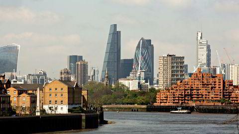 En hedgefondforvalter lever jo av å sette sammen veddemål mot markedets egen prising. Det krever at man løper fort og liker det utrolige stresset, skriver artikkelforfatteren. City of London i bakgrunnen på bildet.