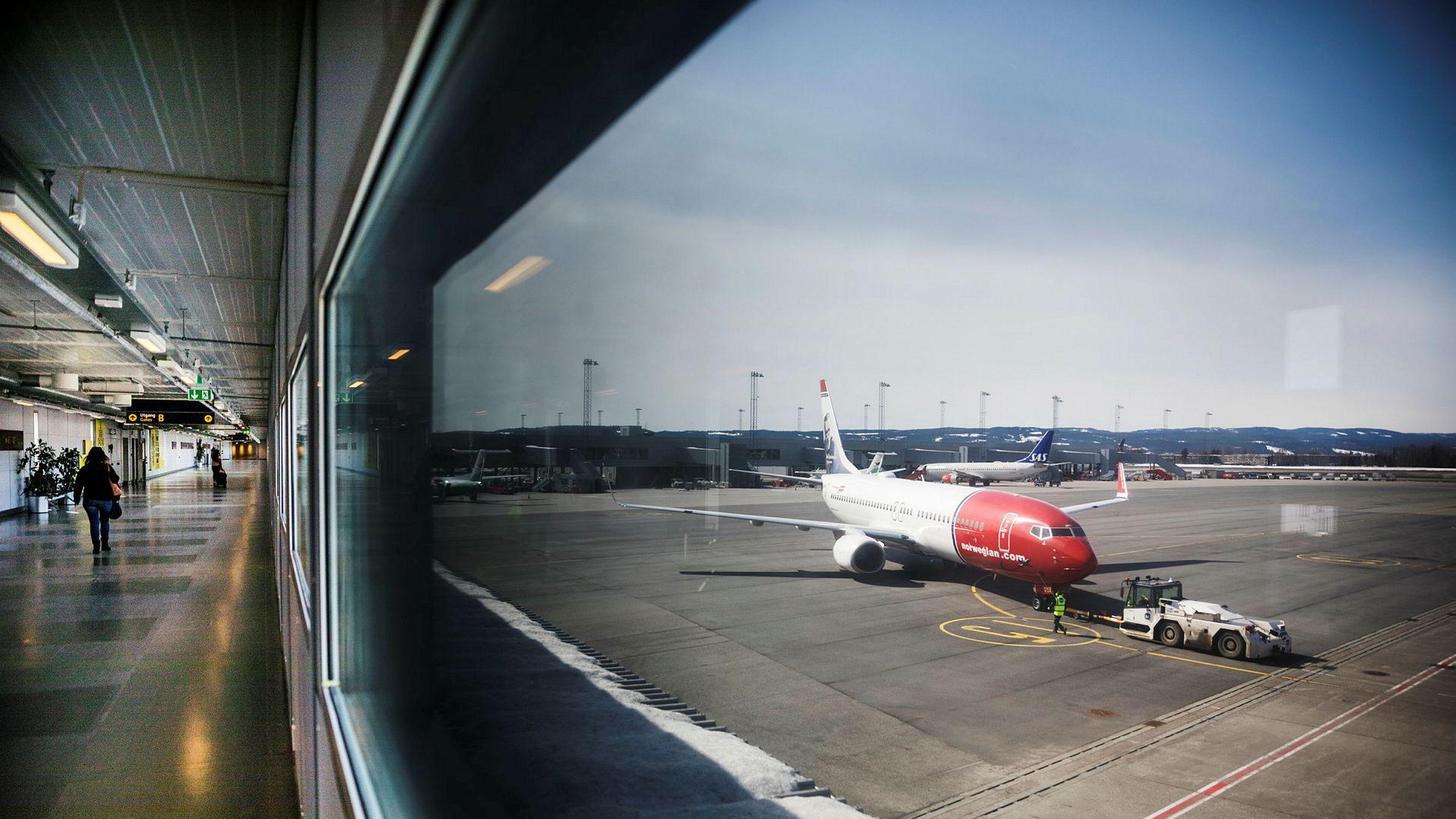 British Airways-eieren IAG vurdere å legge inn et bud på flyselskapet Norwegian. Det bekrefter IAG i en pressemelding.
