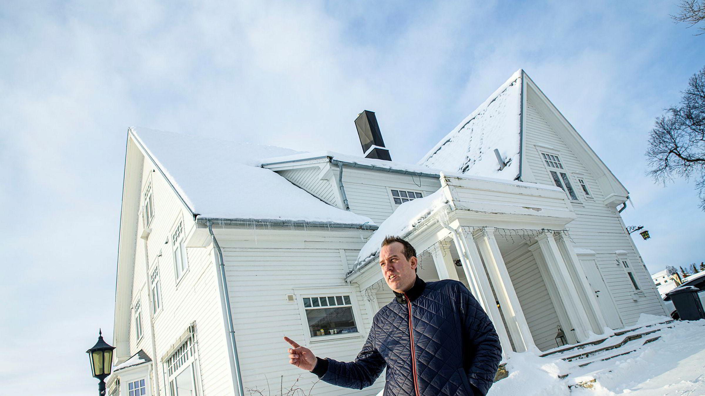 Roy Arne Myrvoll leier ut langtid og via Airbnb. Han ser nedgang i markedet på grunn av koronasmitte.