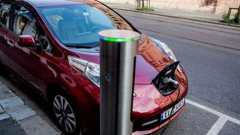 Ordningen som i dag sikrer nyere og mer miljøvennlige biler på veien og som fungerer helt fint, vil Finanstilsynet endre på, skriver artikkelforfatterne.