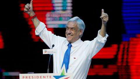 Sebastián Piñera og Alejandro Guillier må ta et nytt oppgjør om hvem som skal bli president i Chile. Foto: AP / Esteban Felix / NTB scanpix