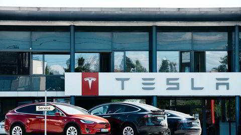 Tesla har vært i hardt vær med lange servicekostnader. Til tross for dette viser fjorårets årsregnskap at det doblet sin omsetning og resultat før skatt, i Norge.