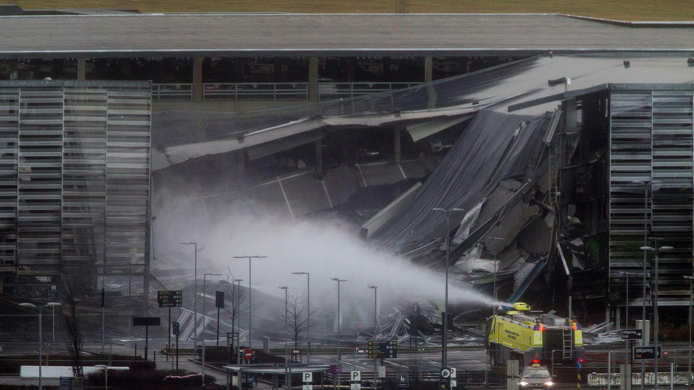 Tirsdag 7. januar oppsto det en storbrann i et parkeringshus utenfor Stavanger lufthavn Sola. 1300 biler ble ødelagt i brannen.