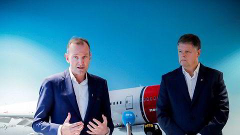 Norwegian-sjef Jacob Schram har jobbet på spreng med en kriseplan, og torsdag fikk han svar fra obligasjonseiere. Her med styreleder Niels Smedegaard på en pressesamling tidligere i vinter.