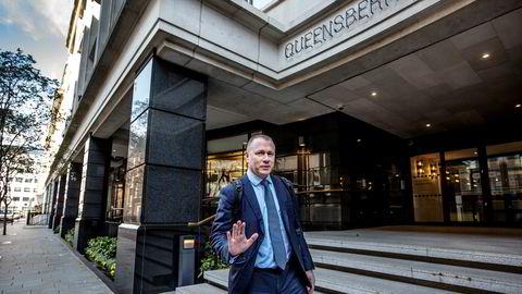 Nicolai Tangen besøkte Oljefondets London-kontor da han ble presentert som ny sjef i slutten av mars.