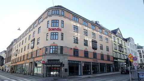 Hotellkjeden Scandic skal fortsatt kutte 1000 årsverk. Her, Scandic Byparken i Bergen.