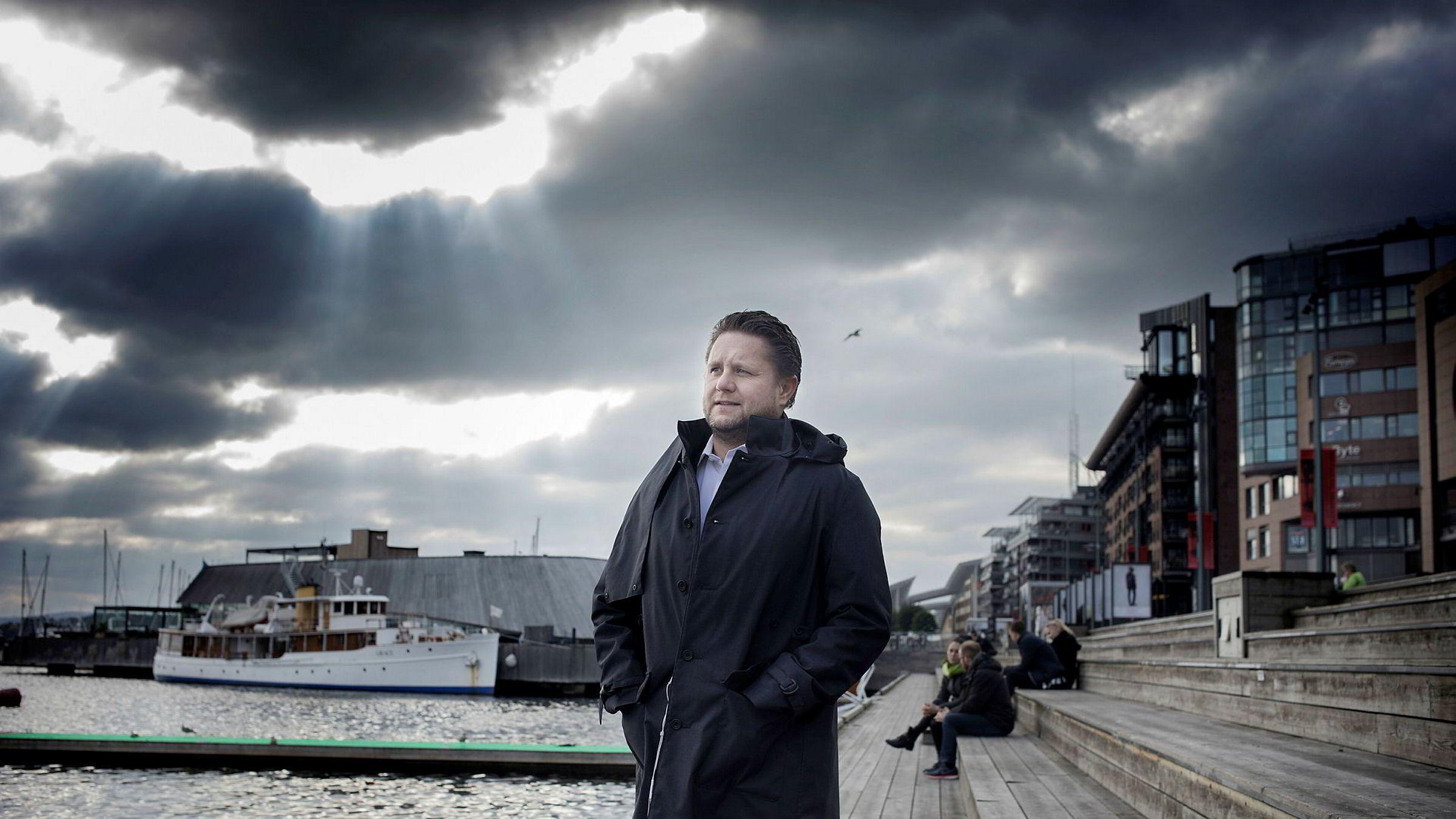Investor Kristian Lundkvist tjente stort på børsen i fjor. Her på Aker Brygge i Oslo.