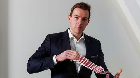 Aksjeanalytiker Aksel Engebakken, som selv har bakgrunn som tryllekunstner og bedriver trylling som hobby, tror at Nordic Semiconductor vil kunne fortsette å trylle frem gode resultater fremover.