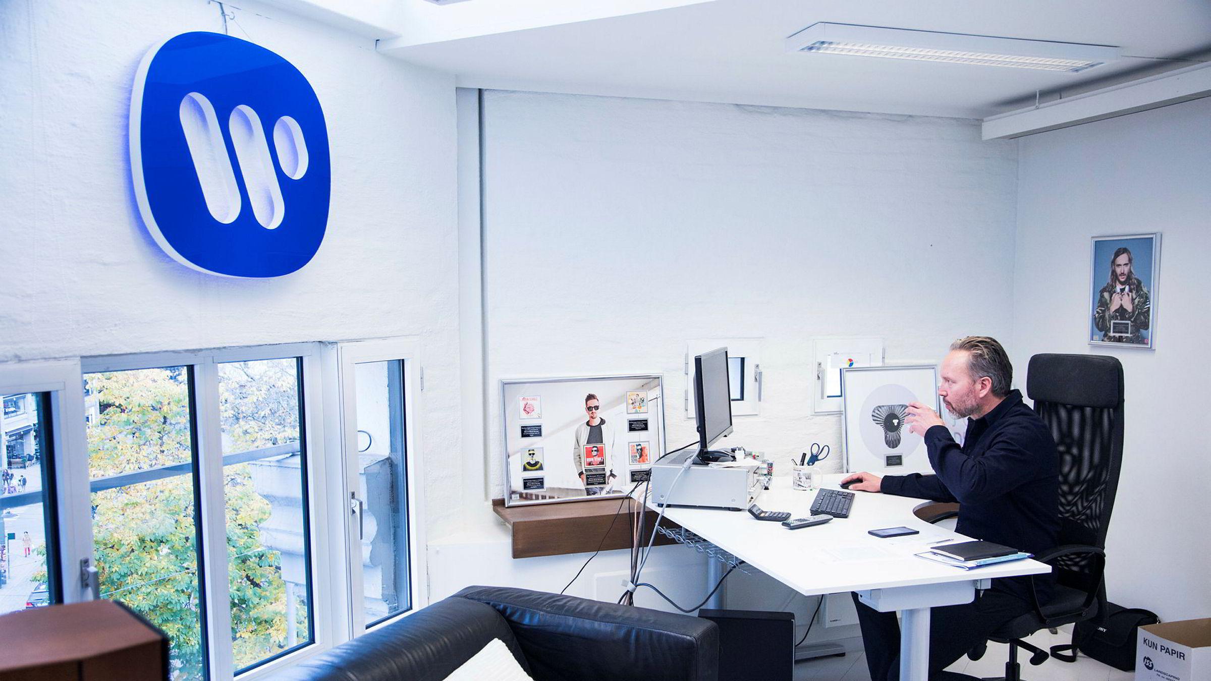 Guttorm Raa har en av sine siste arbeidsdager på kontoret i Warner Music Norway.