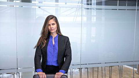 Oljeanalytiker Nadia Martin Wiggen i Pareto Securities har liten tro på enighet mellom Russland og Saudi-Arabia, og står ved spådommen om en gjennomsnittspris på 18 dollar fatet i andre kvartal.