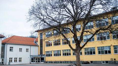 Kunnskapsministeren har varslet at første mulige dato for videre åpning av skolene er 11. mai. Her en tom skolegård på Bygdøy skole.