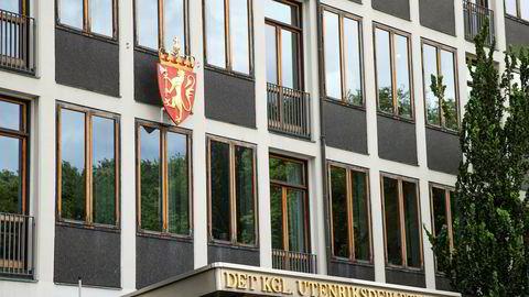 Utenriksdepartementeier sier at den norske diplomaten må være ute av Russland innen 9. april