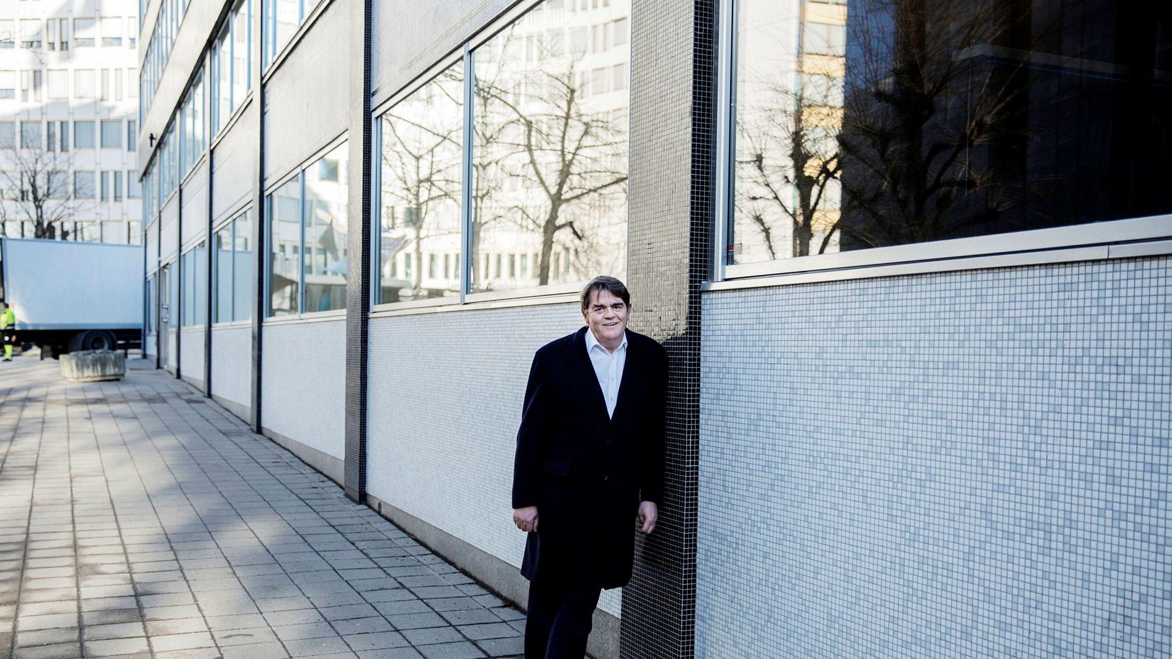 Jan Petter Sissener, investor og porteføljeforvalter synes Oslo Børs burde grepet inn tidligere overfor ledelsen i Oceanteam.