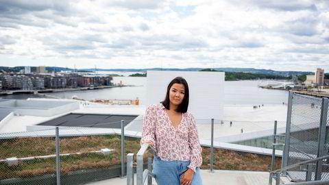 BI-student Amanda Grindheim leier studentbolig til 7200 kroner i måneden i Bjørvika i Oslo.