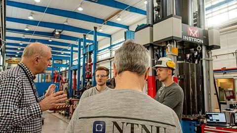 Magnus Langseth mener samarbeidet mellom NTNU og Sintef igjen bør diskuteres. Langseth er professor og direktør ved SFI Casa, Institutt for konstruksjonsteknikk ved NTNU.