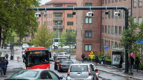 Bom og kø ned mot Carl Berners plass i Oslo.