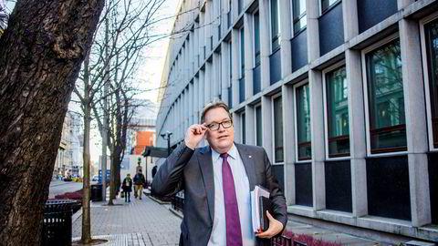 Aps stortingsrepresentant Sverre Myrli mener flyselskapene er strategisk viktig, og at redningspakker bør diskuteres mellom de tre skandinaviske landene.