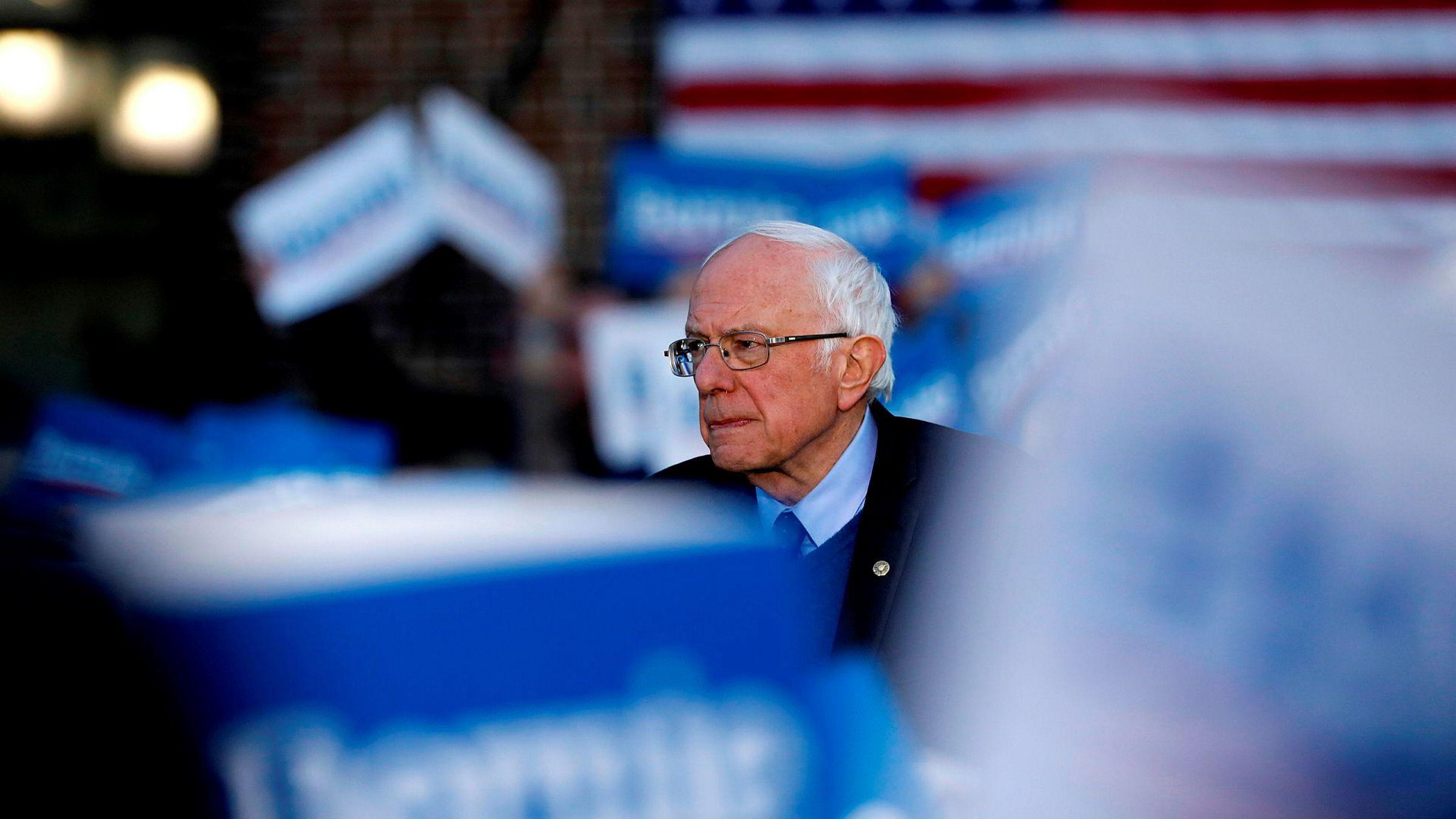 Den uavhengige senatoren Bernie Sanders trekker seg fra valgkampen.