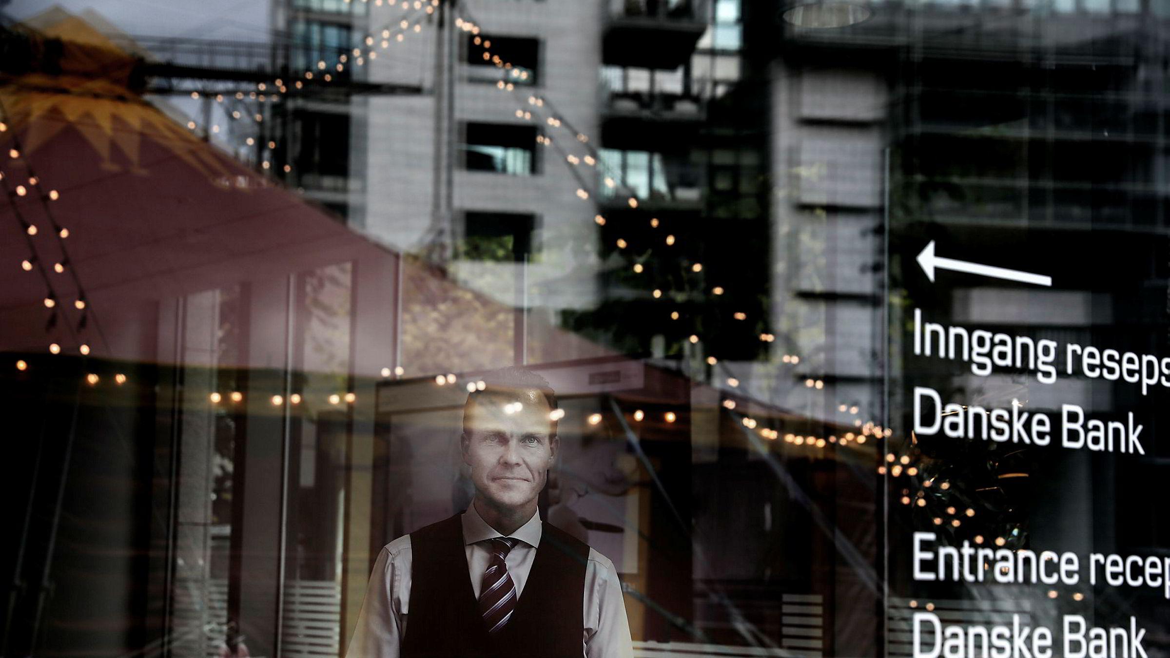 Danske Bank varsler rentekutt og vil kapre flere kunder. – Vi er ydmyk for at boliglånsrenten er en viktig inngang for å få dialog med kundene, sier Lars Alstrup, leder for personmarked i Danske Bank.
