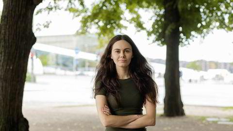 Hedda Moberg vurderte å satse på en karriere i næringslivet innenfor hr, men under koronakrisen endret hun mening. Nå skal hun bli lektor.