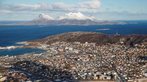 Nordland, her fra Bodø med Landegode i bakgrunnen, melder om de beste overnattingstallene på hotellene i sommer.