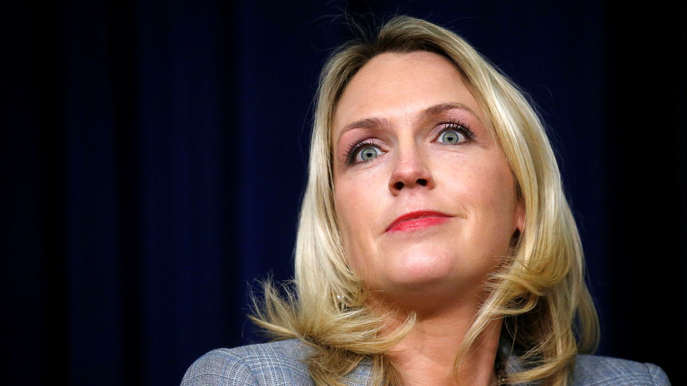 Kelly Sadler, en av Donald Trumps rådgivere, har fått sparken.