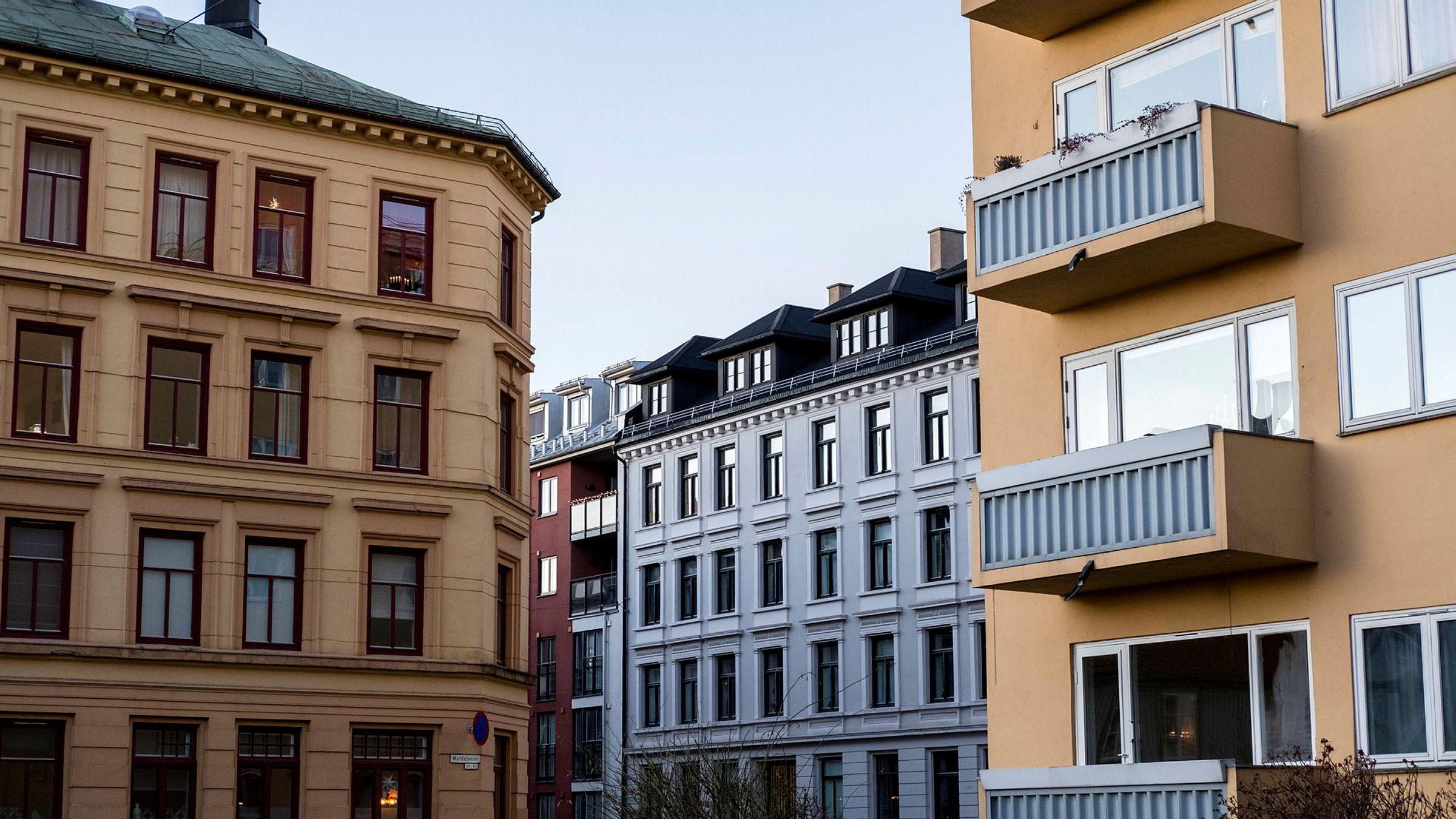 Det bør det tas politiske grep som senker terskelen til boligmarkedet, mener Carl O. Geving, administrerende direktør i Norges Eiendomsmeglerforbund.