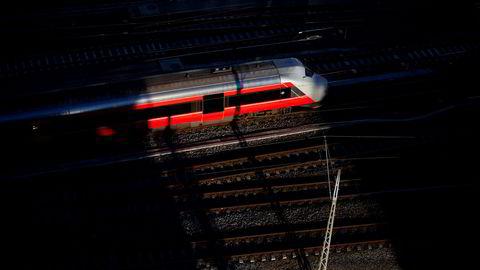 Bjørvika, tog, nsb, spor, sentralstasjonen, oslo s, jernbaneverket, Oslo - NSB - togspor - Oslo Sentralbane - lokaltog - ---