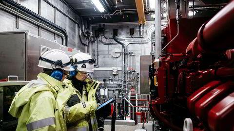 Norges Bank har implisitt lagt til grunn at alle som arbeider i oljeselskapene ikke kan brukes til noe etter at de har «kommet seg på land», skriver artikkelforfatteren.