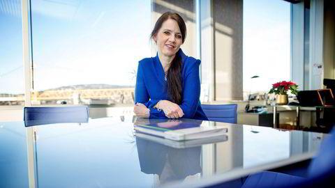 Anne-Kari Bratten, leder i Spekter, mener én-metersregelen for kulturlivet må fjernes. Onsdag deltar Spekter i møte med kulturlivet og helsemyndighetene.
