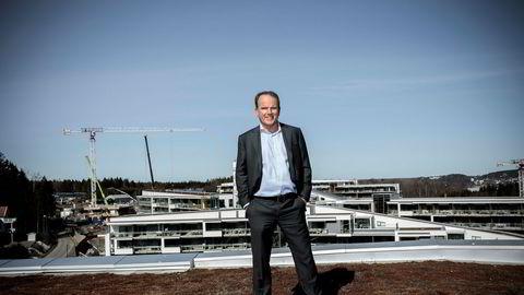 Arbeidende styreleder Roar Ingdal gjør det han kan for å fjerne fordommene mot menigheten som står bak gigantanlegget Oslofjord convention center på Brunstad i Vestfold.