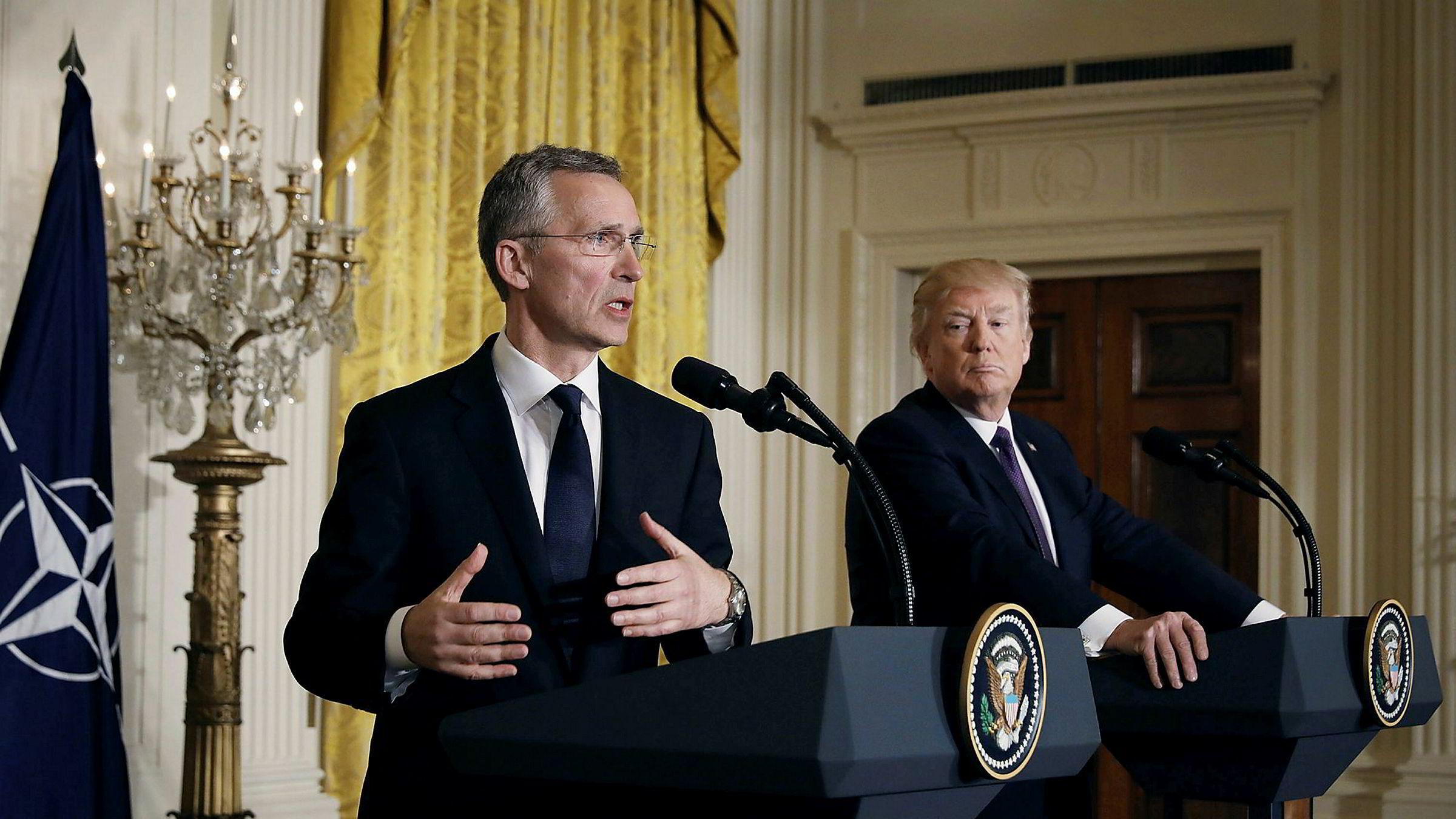 Jens Stoltenberg tar to nye år som generalsekretær i Nato.