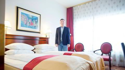 Oslo, Norge, 18.03.2015: Hotellanalytiker Peter Wiederstrøm. Foto: Øyvind Elvsborg . Hotellrådgiver Peter Wiederstrøm sier hotellene har en knalltøff høst i vente.