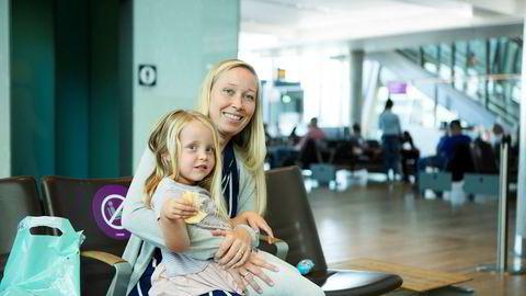 Camilla Hidalgo-Lie med datteren sin Olivia reiser tilbake til Marbella i Spania der hun jobber etter 16 dager i Norge.
