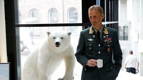 Problemet er at forsvarssjef Eirik Kristoffersen i dag ikke har rammer eller ressurser som kan bygge opp ansattes forsvarsvilje.