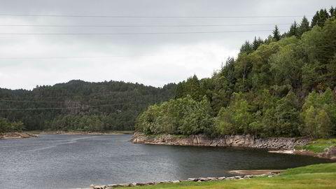 Drikkevannet Kleppevannet er i ferd med å gå tomt. Innbyggerne på Askøy er blant dem som trues av vannmangel.
