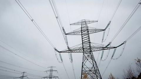 Store økninger i kraftforbruket i Norge vil øke avhengigheten av kullkraft og forsinke utfasingen, skriver innleggsforfatterne.