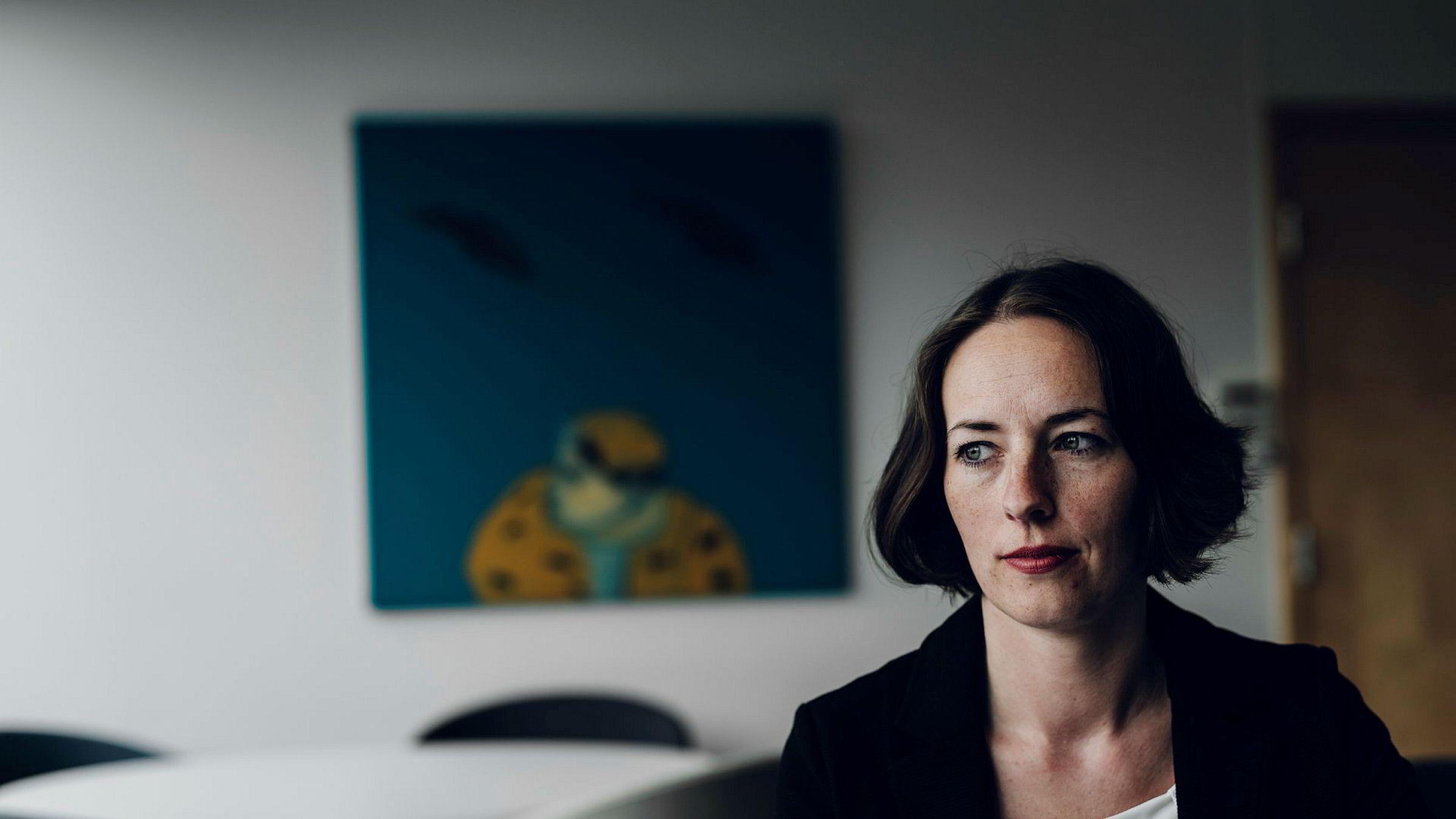 Carine Røkenes i Deloitte har kommet frem til en fremgangsmåte som skal holde skattemessig når handel med kryptovaluta skal føres i selvangivelsen. – Man kommer ikke utenom at det er tidkrevende dersom man har mange transaksjoner, sier Røkenes.