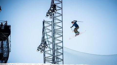 Johanne Killi var spent før treningsomgangene fredag på Fornebu. På grunn av en ankelskade har hun ikke kjørt ordentlig på ski på to og en halv måned.