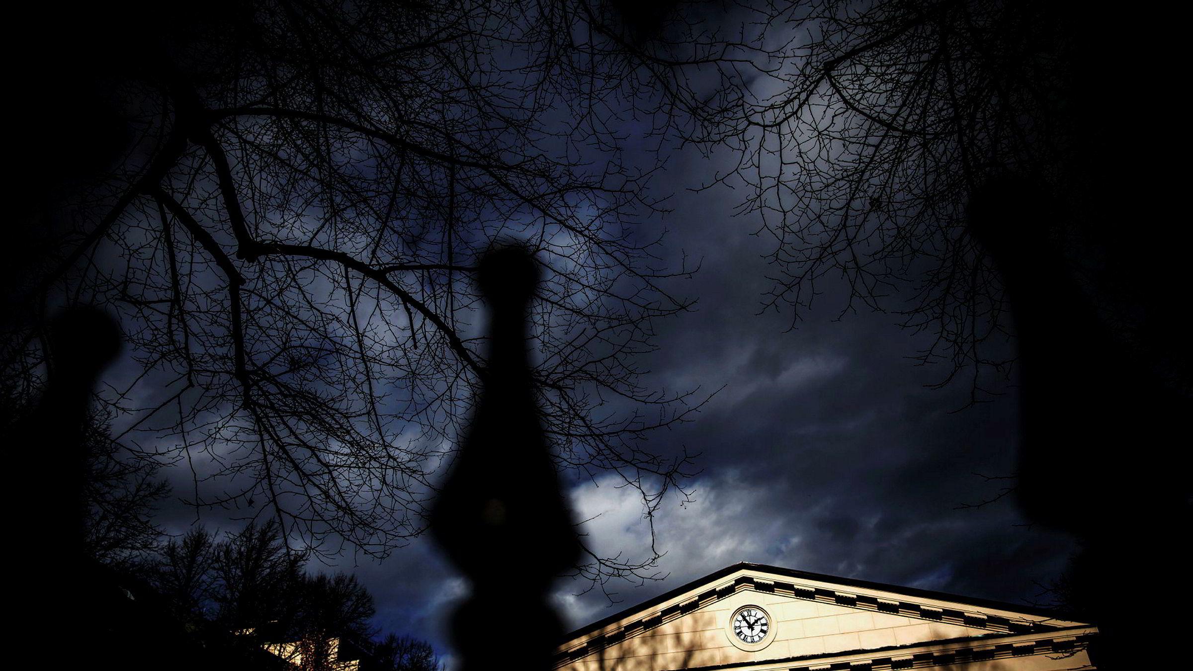 Oslo Børs falt over 15 prosent i mars, noe som var den verste måneden siden oktober 2008.