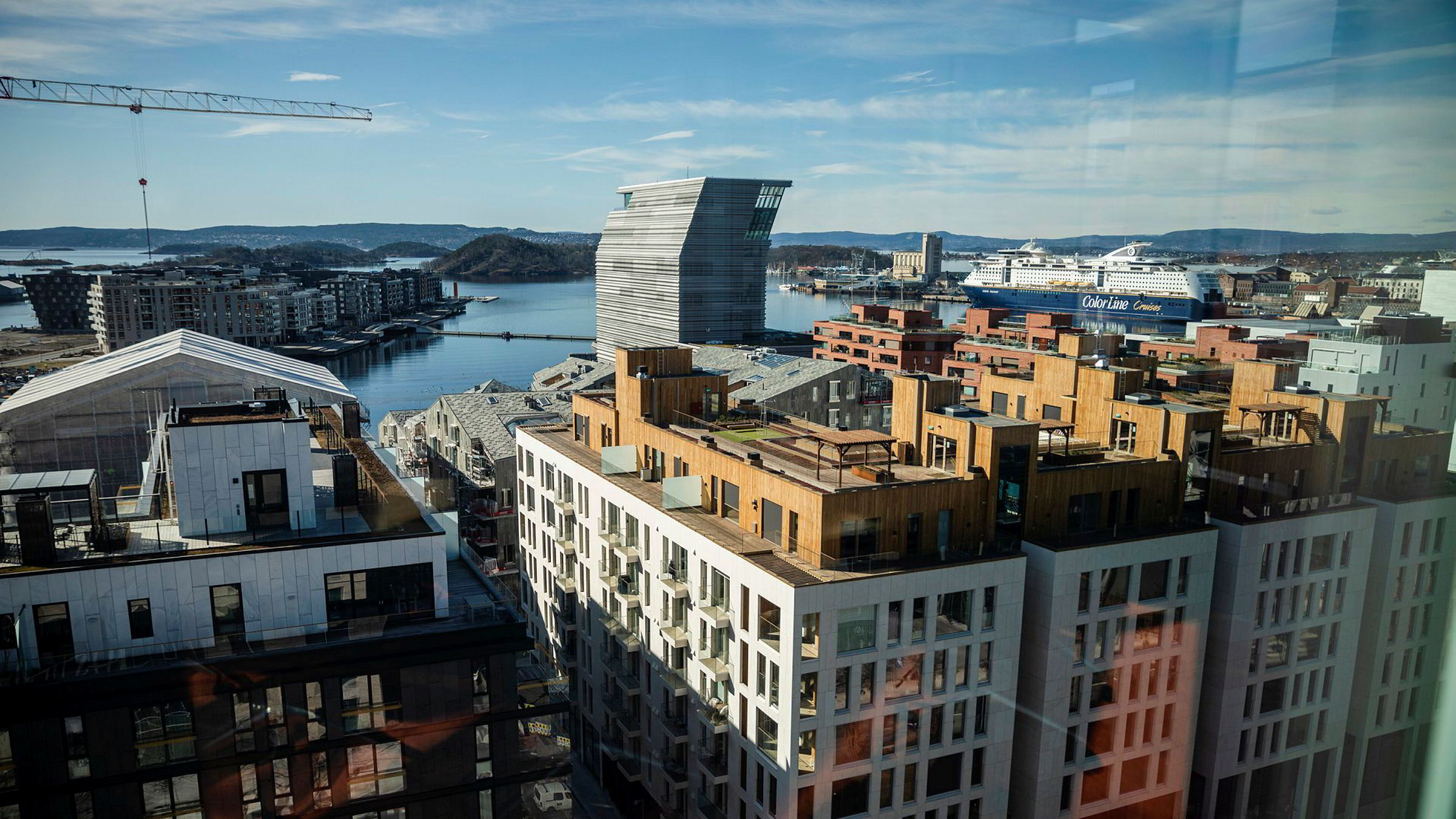 Troen på boligprisvekst er sterkest i Oslo, der seks av ti tror på prisvekst det neste året. Her er Bjørvika sett fra Barcode.