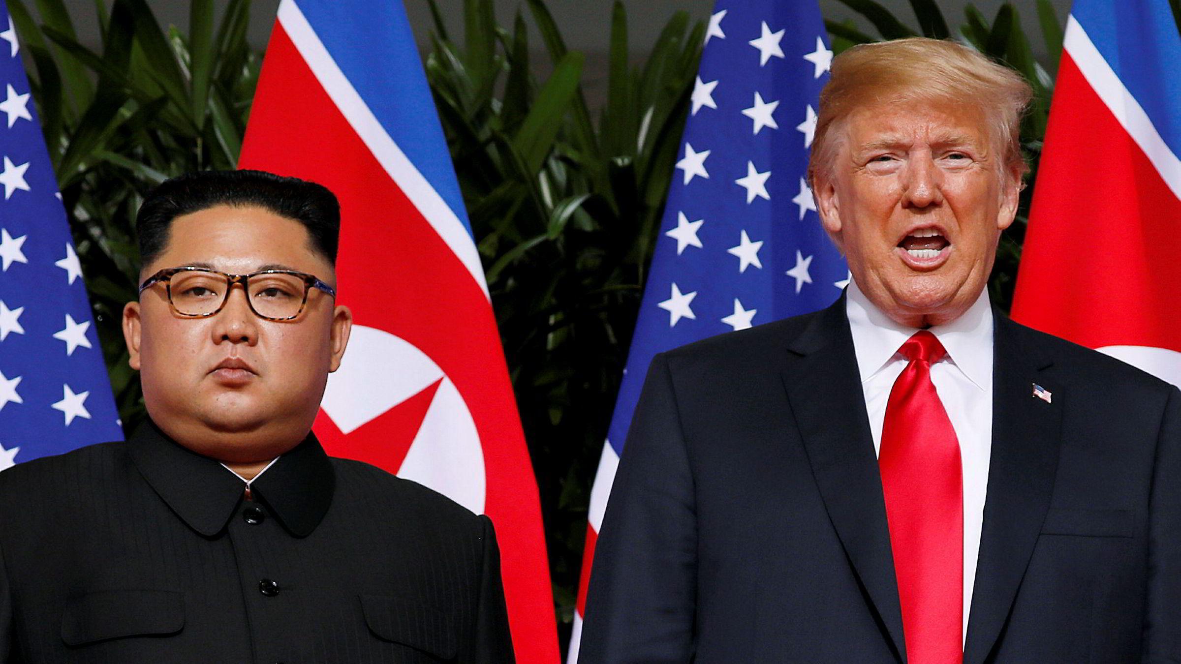 USAs president Donald Trump sammen med Nord-Koreas leder Kim Jong-un møttes tirsdag under fire øyne på Capella Hotel på øya Sentosa i Singapore.