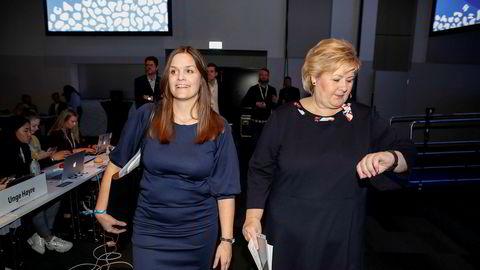 Sunniva Flakstad Ihle har i mange år vært ved Erna Solbergs side, her på Høyres landsmøte i 2019.